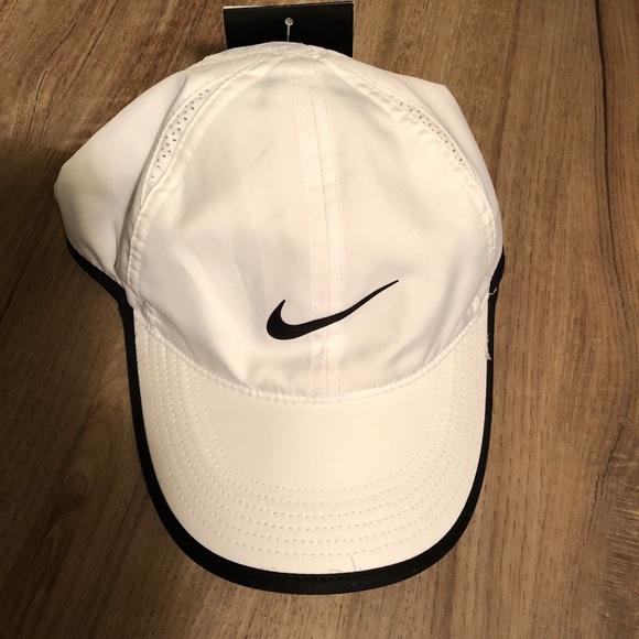 57d28025ef5 Never Worn White Nike Dri Fit Hat